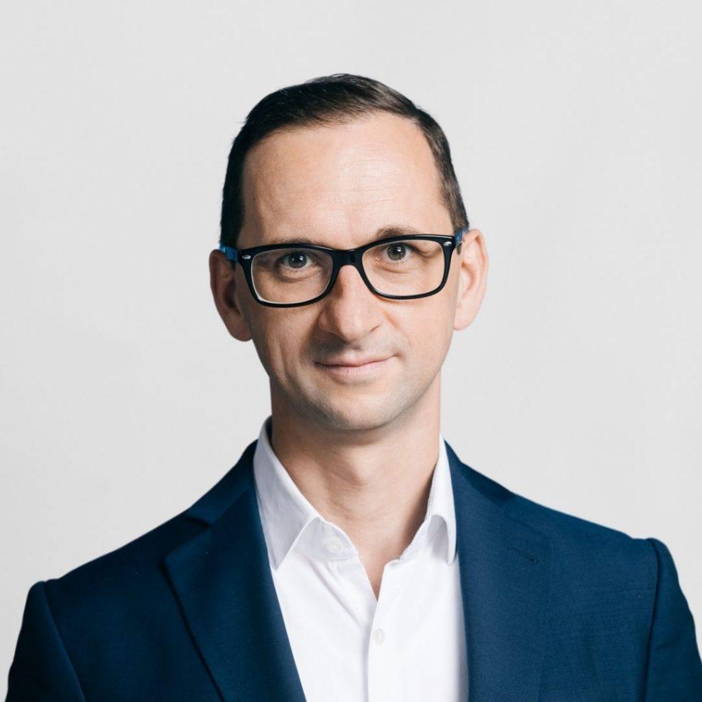 Dr. Matthias Thom
